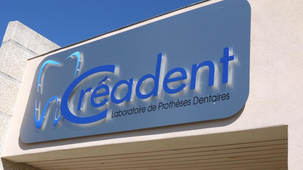 Agencement Enseigne Magasin - Bodeva communication Montpellier 34 - Laboratoire Créadent
