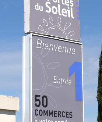 Agencement Enseigne - Bodéva, agence de communication Montpellier 34 - Les portes du soleil